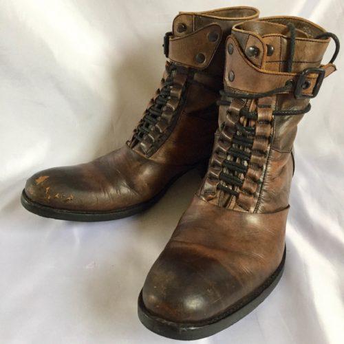 ハイカット革靴