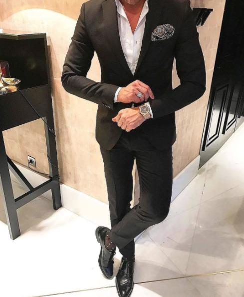 海外メンズから学ぶ黒スーツコーディネート特集