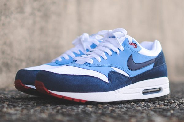 nike-air-max-1-essential-white-mid-navy-university-blue-140906-3